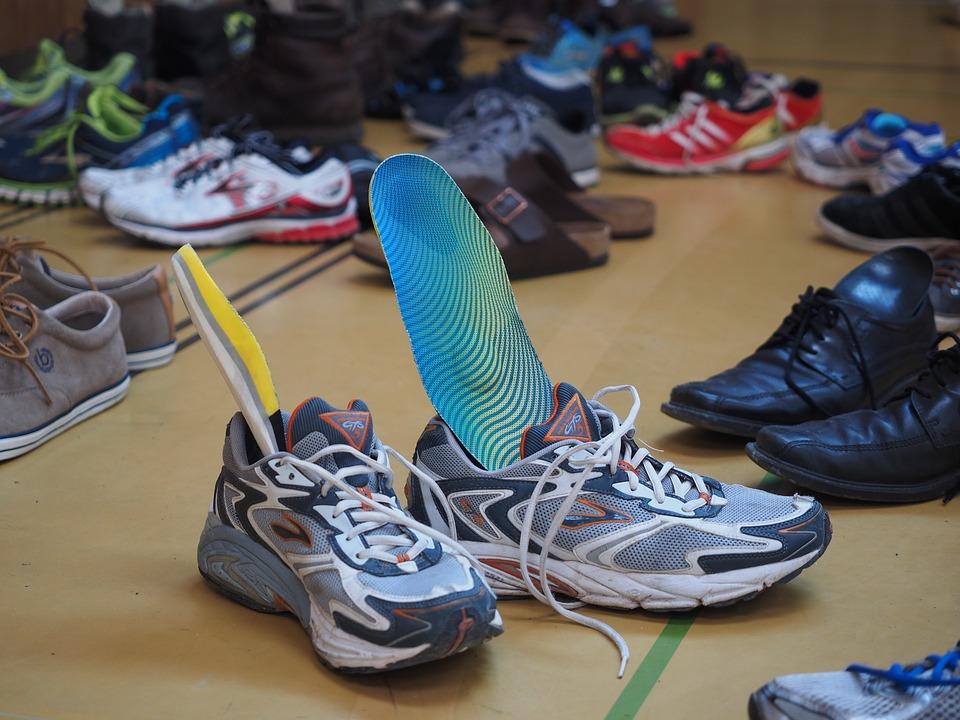 Schuhe und Einlagen