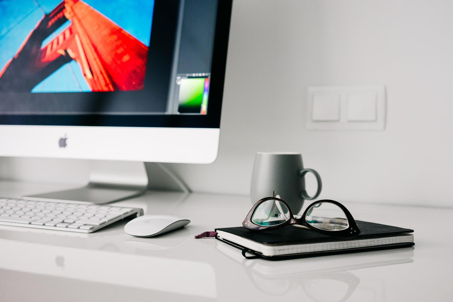 PC Tasse und Kalender